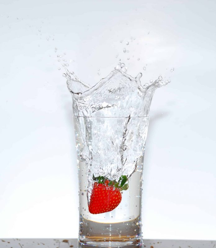 Glass of water (H2O)